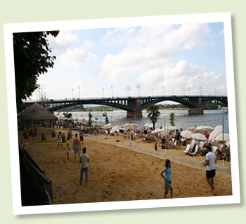 Mainz Strand - Beachvolleyball am Rhein